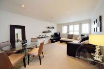 Flat to rent in Albert Road, Mill Hill...