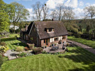 3 bedroom Detached house for sale in Wantage Road, Streatley...
