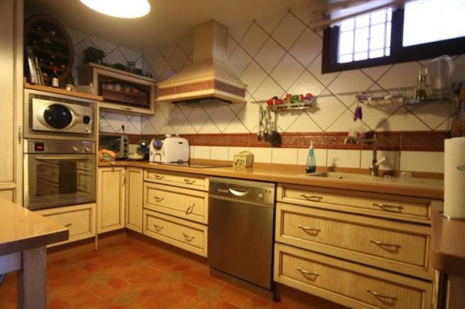 Fullfitted kitchen