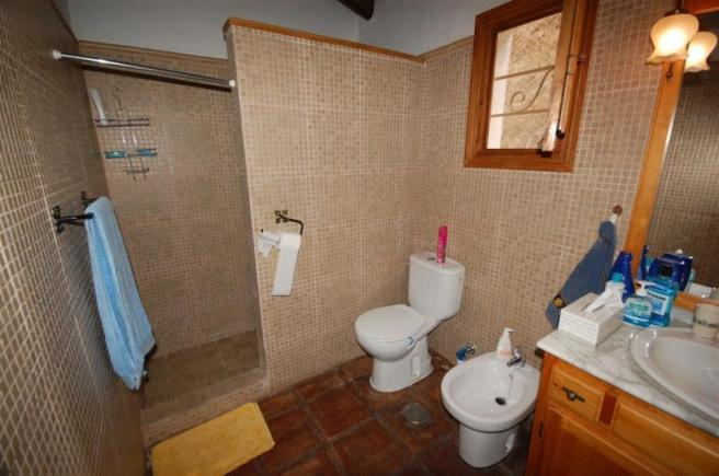 2nd bathroom with walk in shower