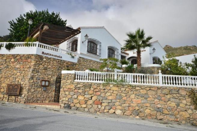 Beautiful Hotel for sale in Gualchos