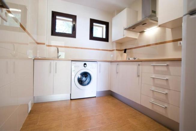 Fully fitted kitchen with built in oven -not shown