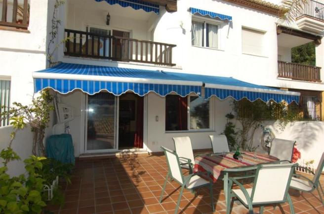 House near the beach & marina in La Herradura