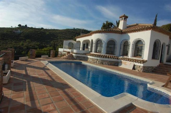 Spanish villa with great sea views for sale
