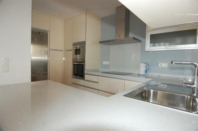 Brand new, modern kitchen