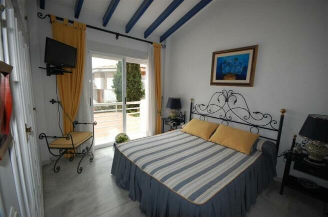 Main bedroom has sea view, terrace & en suite bath