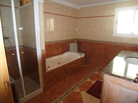 One of 4 bathrooms in this Costa Tropical villa