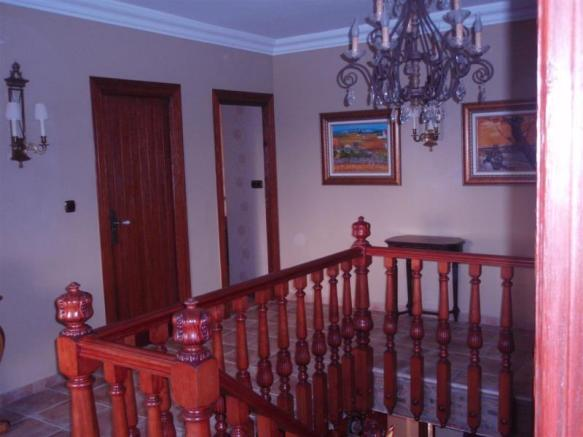 Pretty upper landing where bedrooms are located