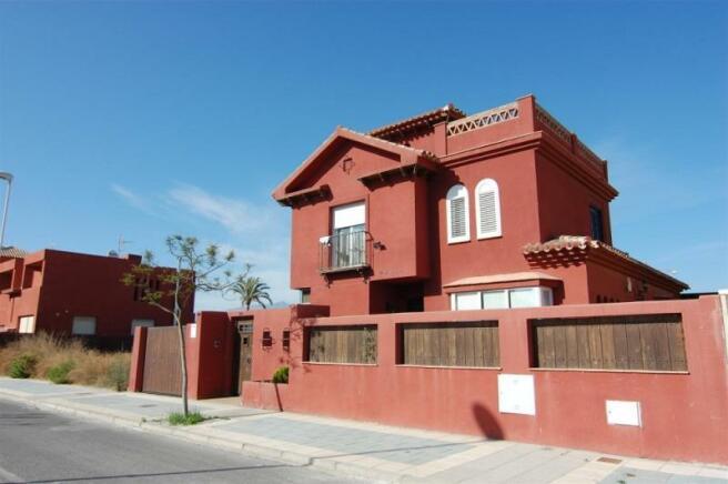 Villa for sale in Costa tropical of Granada