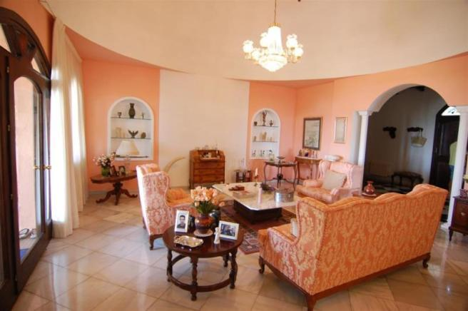 Spacious lounge with high ceilings & cupola