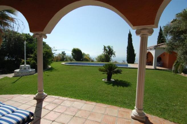 Fab view to mountains & sea from covered porch