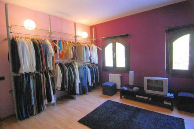 3rd bedroom is currently used as a dressing room