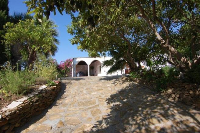 Entrance to a very special villa with 2 guest apts