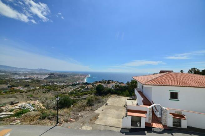 Amazing views from this villa in Salobreña