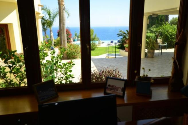 Nice view to sea & pool from office area in lounge