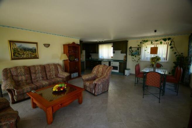 Open plan, lounge, diner & kitchen in guest apt