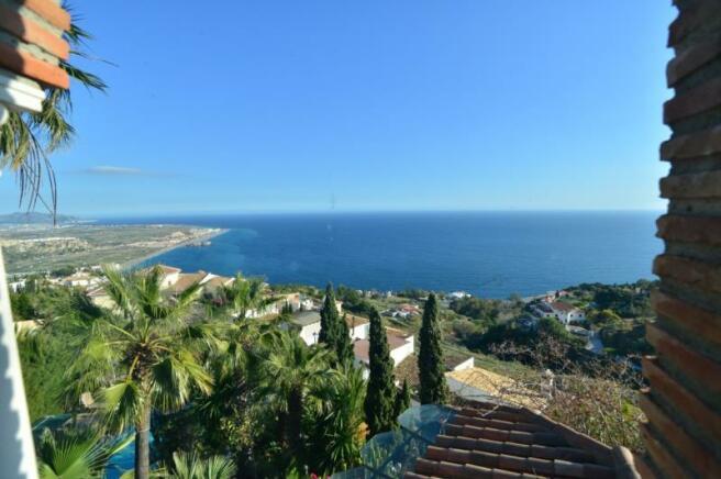 Villa for sale in Salobrena with great sea view