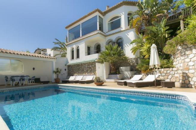 Charming villa with private pool