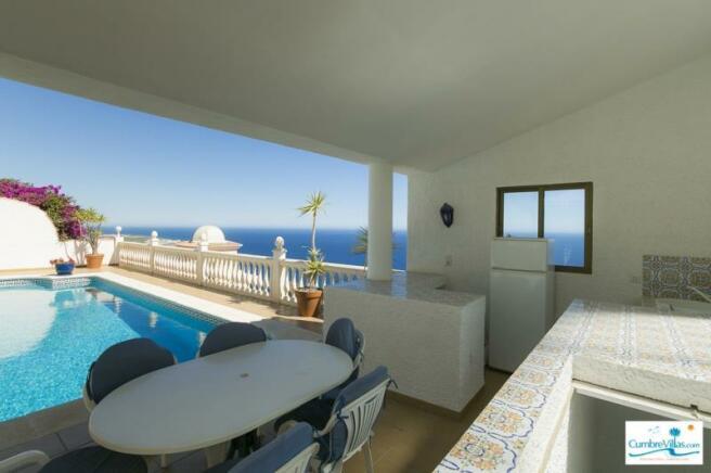 Summer kitchen with nice sea views