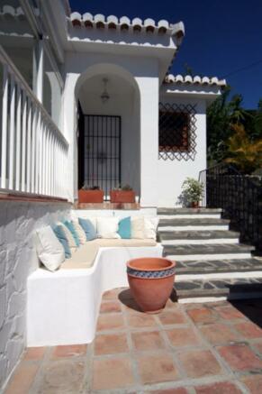 villa with sea views in Salobreña