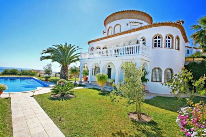 Luxury villa for sale in Granada Spain near beach