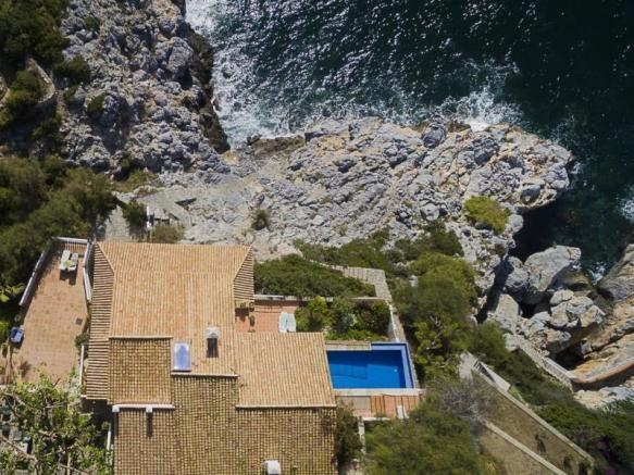 You won´t need a boat if you own this villa!