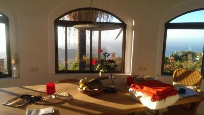 The view can be enjoyed even from inside!