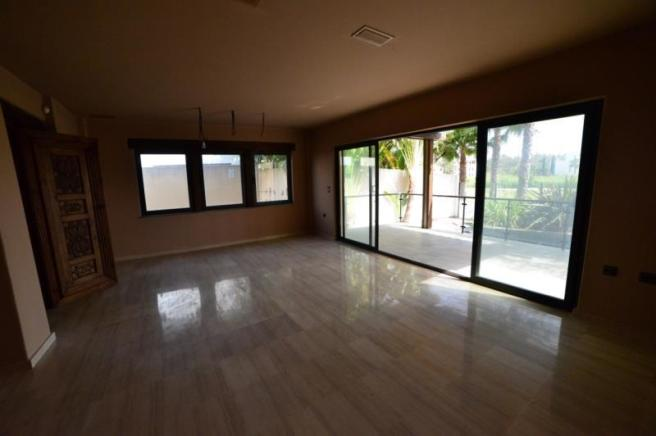 large living area with access to covered terrace