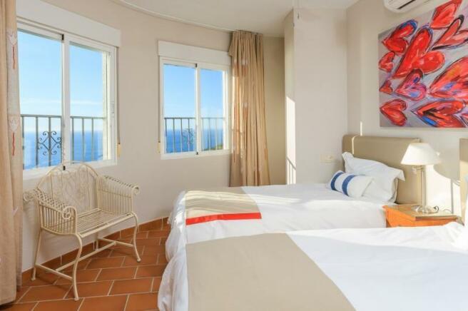 3rd bedroom also has sea views & air conditioning