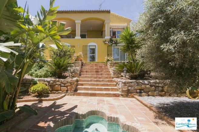 Beautiful villa with a wonderful garden
