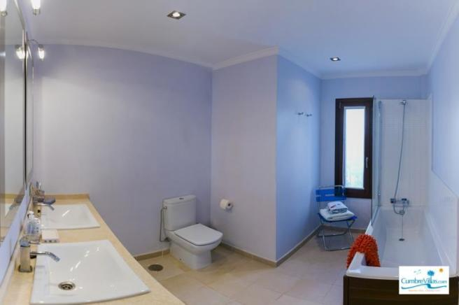 Bathroom for bedroom 2 & for guests on entry level