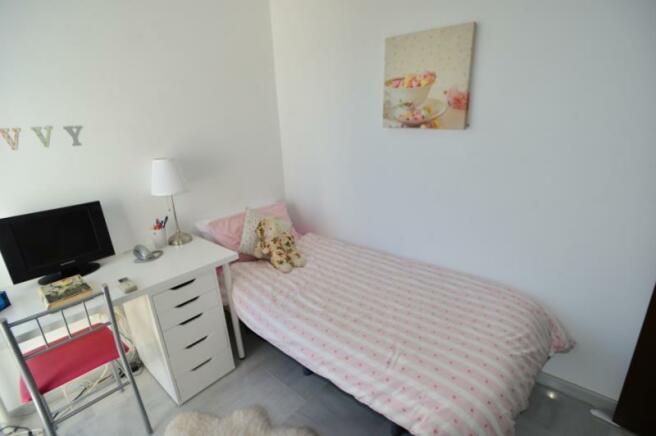 Light bedroom 6