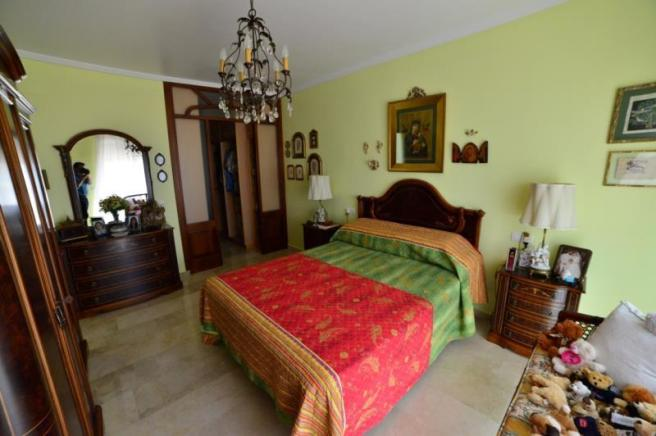 Main bedroom with sea view and terrace