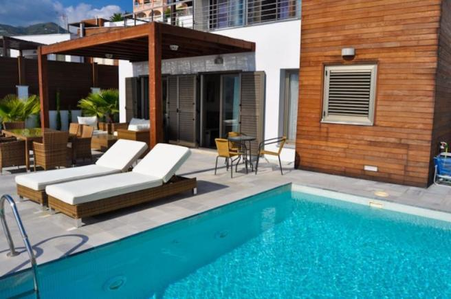 Modern villa with separate guest accommodation