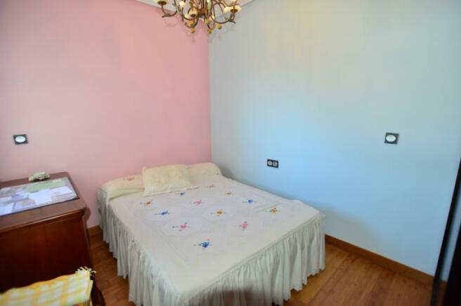 Light bedroom 2