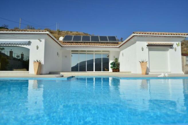 Outstanding property in Velez de Benaudalla