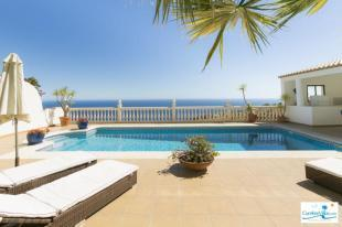 High quality villa with spacious pool terrace
