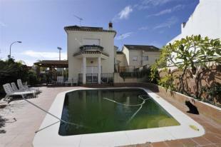 Villa for sale in Almuñecar