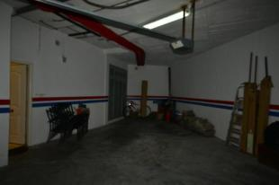 Part of garage w/ direct access into lower house
