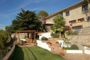6 bed villa walking distance to La Herradura beach