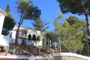 Villa for sale in La Herradura with great sea view