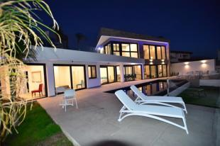 Villas with pool for sale in Salobrena