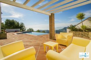 Relax & enjoy the sea & mountain views from pool