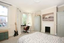 3 bed Terraced home in Cobourg Road, Southwark...