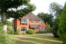 5 bed Detached home in Blunts Wood Road...