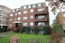 2 bed Flat in High Road, Whetstone