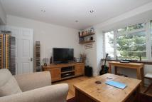 Flat to rent in Friern Park,...