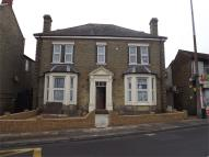 1 bed Studio apartment to rent in High Street, Sheerness...