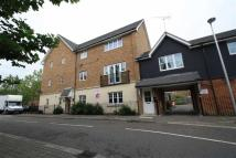 2 bedroom Flat in CASPIAN WAY, PURFLEET...