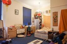 Studio flat to rent in Richmond Road, Leeds...